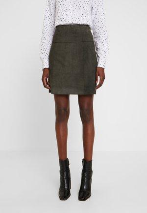 SKIRT - Kožená sukně - dark leaf
