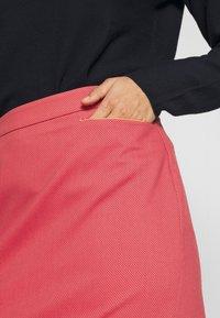 More & More - SKIRT SHORT - Kokerrok - soft raspberry multicolor - 4