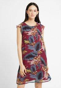 More & More - DRESS SHORT - Robe d'été - sweet raspberry - 0