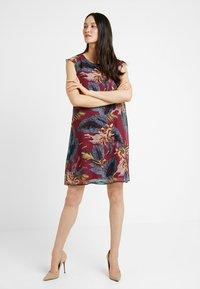More & More - DRESS SHORT - Robe d'été - sweet raspberry - 2