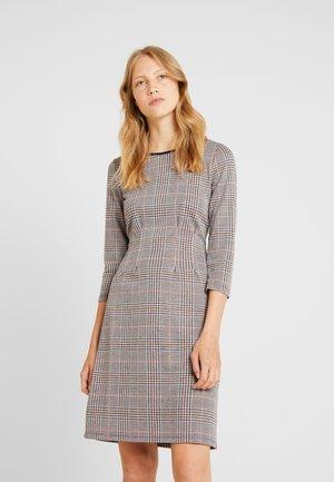 INTERLOCK - Pouzdrové šaty - offwhite/multi