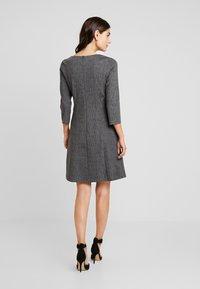 More & More - DRESS SHORT - Jerseykjole - black/multicolor - 3
