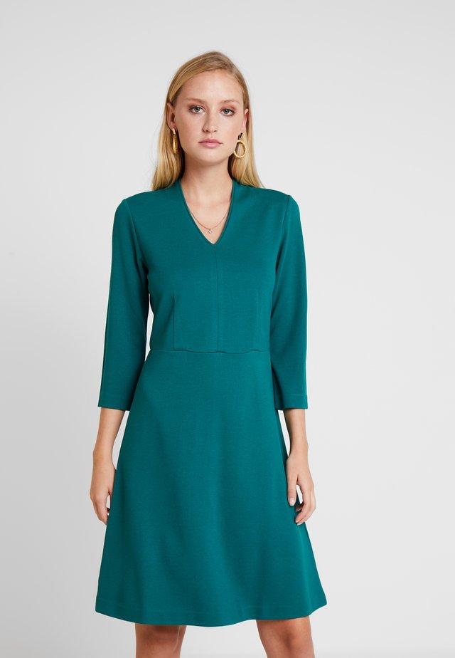 DRESS - Jerseykleid - emerald green