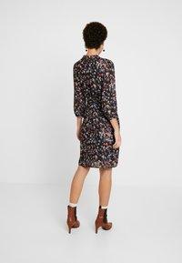 More & More - DRESS - Kjole - chilli/peach/multicolor - 3
