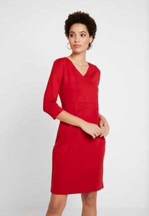 DRESS SHORT - Sukienka etui - granate red