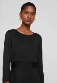 More & More - DRESS - Etuikjole - black - 6