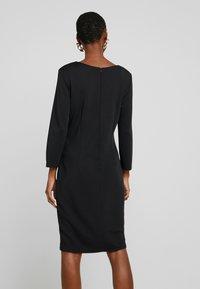 More & More - DRESS - Etuikjole - black - 3