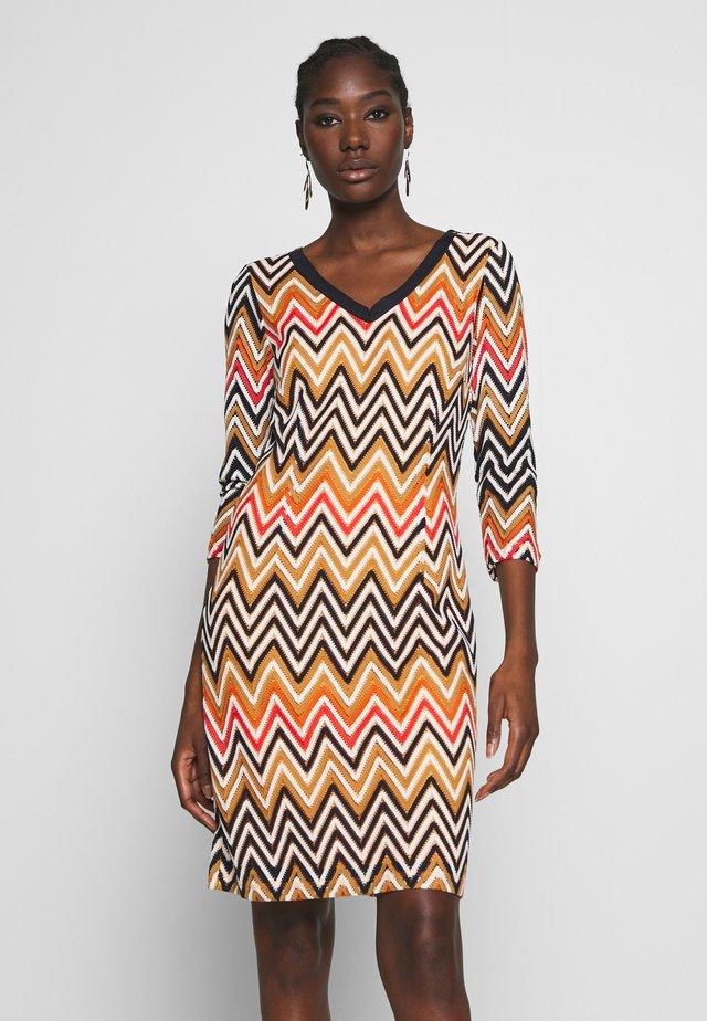 DRESS SHORT - Sukienka dzianinowa - offwhite multi