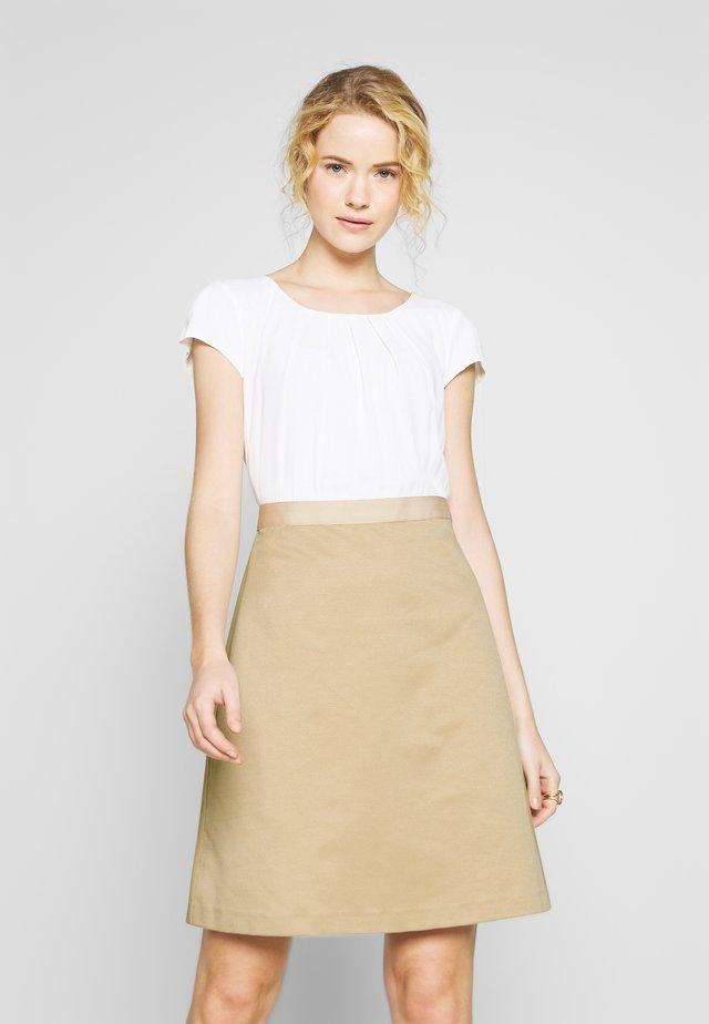 DRESS SHORT - Vestido informal - new sand