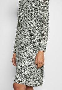 More & More - DRESS SHORT - Kjole - dark leaf - 4