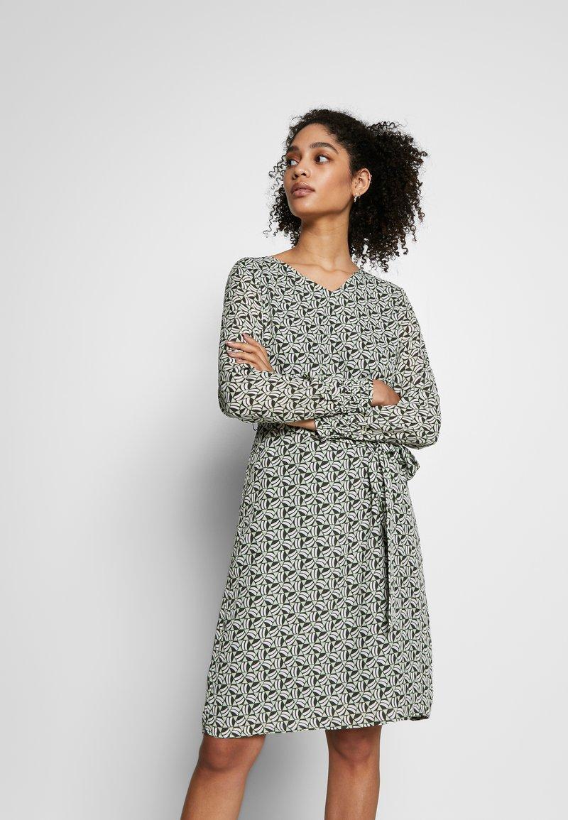 More & More - DRESS SHORT - Kjole - dark leaf