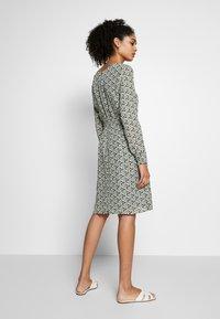 More & More - DRESS SHORT - Kjole - dark leaf - 2