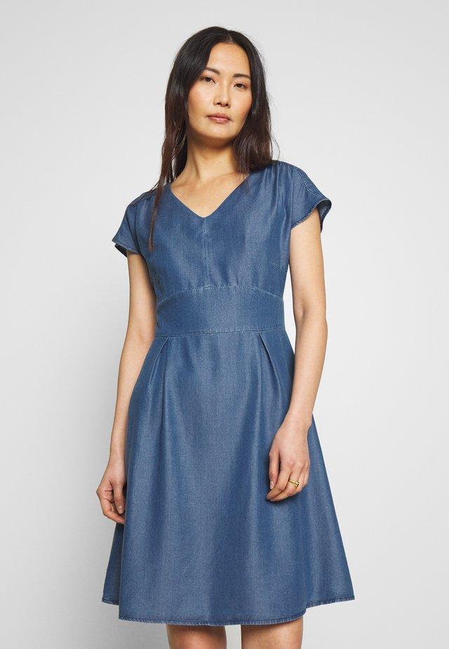 DRESS SHORT - Denim dress - denim blue