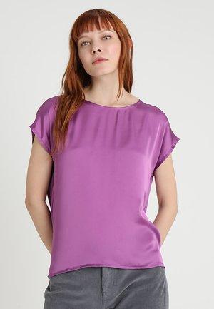 Pusero - bright purple