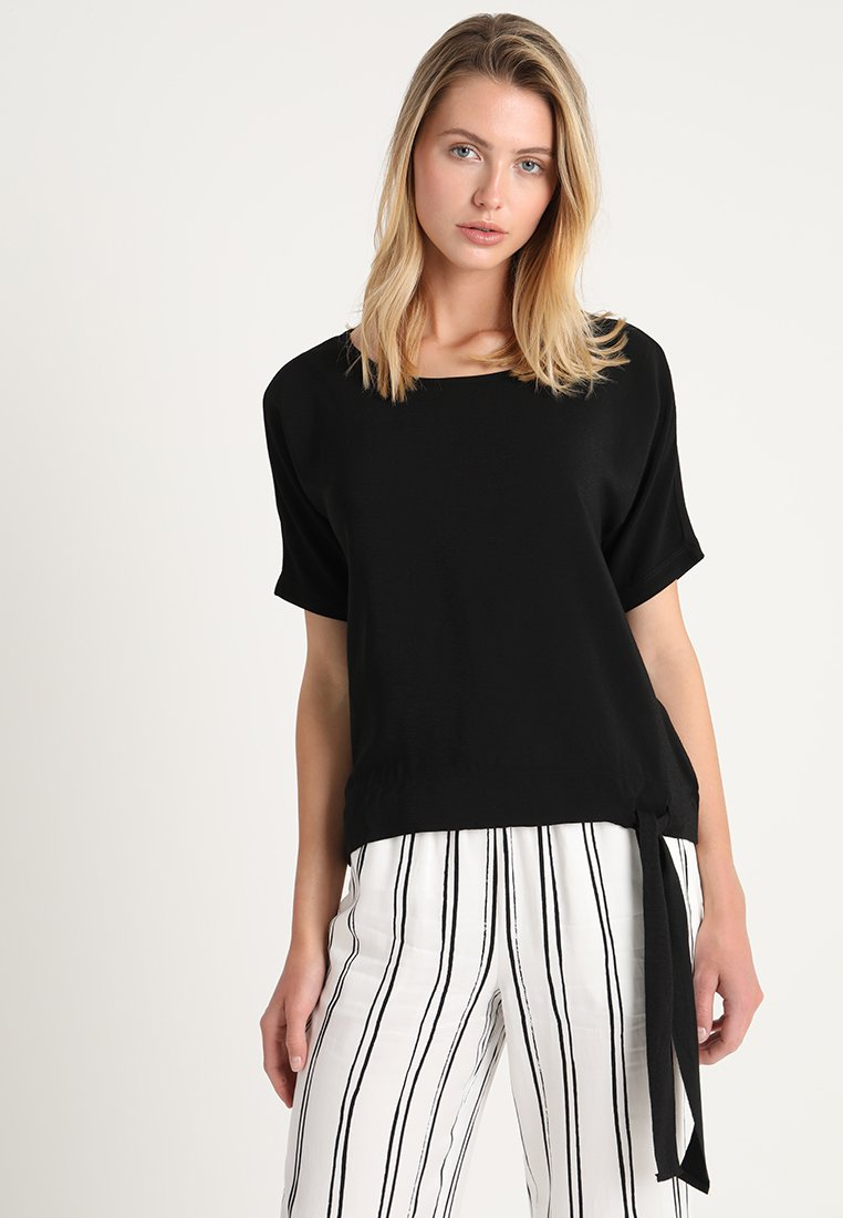 More & More - 1/2 ARM - Blusa - black