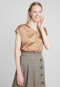 More & More - Blouse - caramel - 0