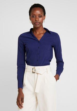 Skjorta - warm blue