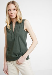 More & More - BLOUSE NON SLEEVE - Bluser - tropical green - 0
