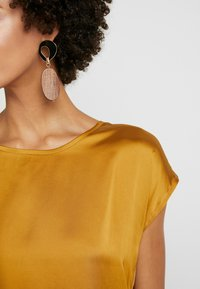 More & More - Blouse - golden glam - 4