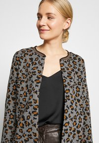 More & More - Cardigan - pumpkin orange multicolor - 3