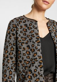 More & More - Cardigan - pumpkin orange multicolor - 5