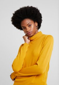 More & More - Jersey de punto - autumn yellow - 3