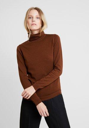Stickad tröja - cinnamon