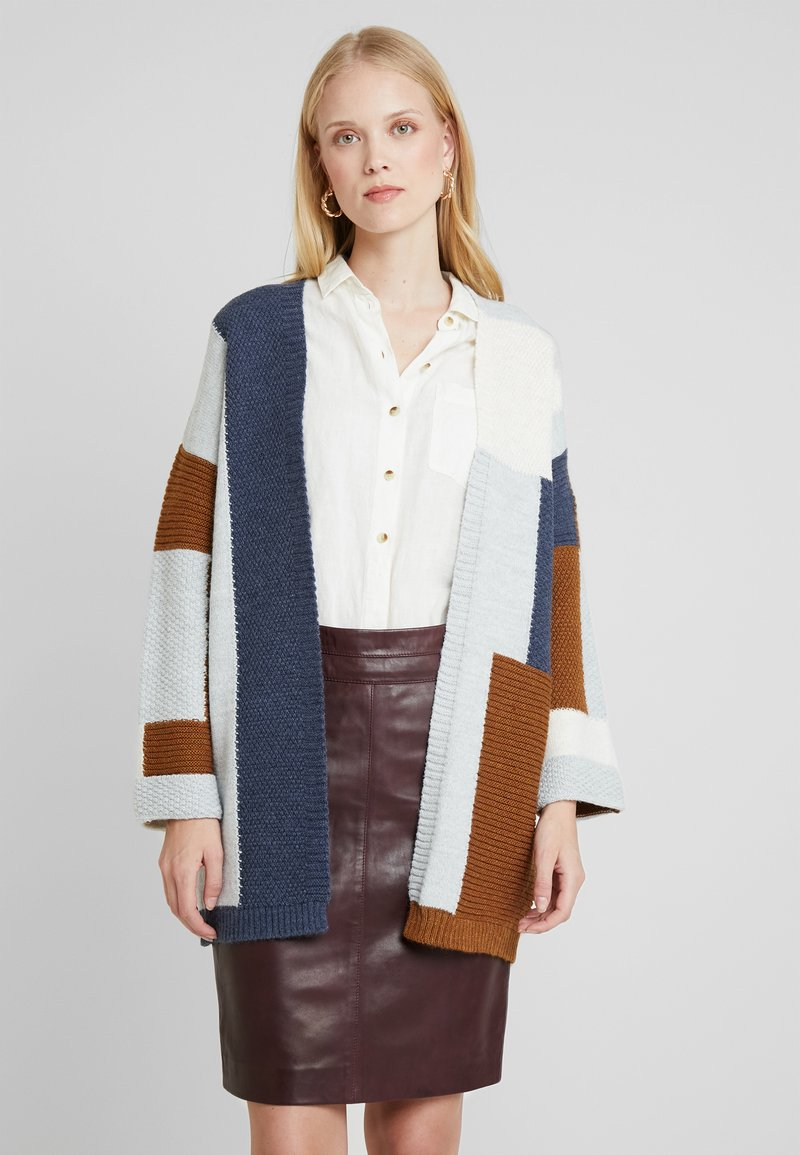 More & More - CARDIGAN - Gilet - amber gold/multicolor