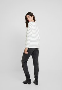 More & More - Sweter - offwhite - 2