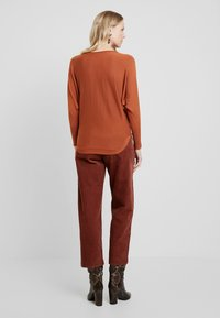 More & More - Pullover - pumpkin orange - 2