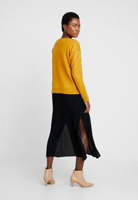 More & More - SLEEVE - Jumper - autumn yellow - 2