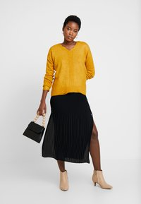 More & More - SLEEVE - Jumper - autumn yellow - 1