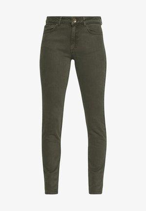 TROUSER - Slim fit jeans - dark leaf