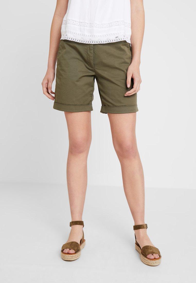 More & More - BERMUDA - Shorts - african green