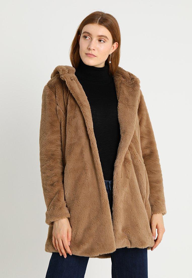 More & More - MITTELLANG - Kurzmantel - warm camel