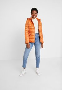 More & More - JACKET - Lehká bunda - pumpkin orange - 1