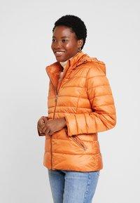 More & More - JACKET - Lehká bunda - pumpkin orange - 0