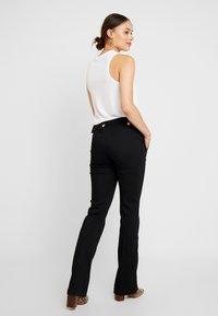 Morgan - PARADE - Jeans Bootcut - noir - 2
