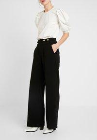Morgan - POLO - Spodnie materiałowe - noir - 0