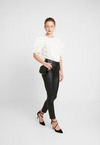 Morgan - POETE.N - Pantalon classique - black - 1