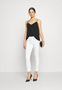 Morgan - PEPPER - Pantalon classique - white - 1