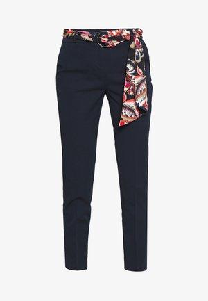 PELOA - Pantalon classique - marine