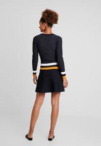 Morgan - Robe pull - marine/fauve - 2
