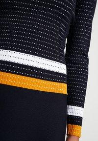 Morgan - Robe pull - marine/fauve - 4