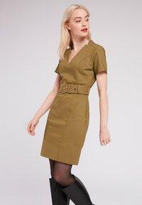Morgan - Day dress - khaki - 0