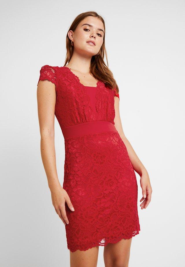 RFLOW - Koktejlové šaty/ šaty na párty - rouge