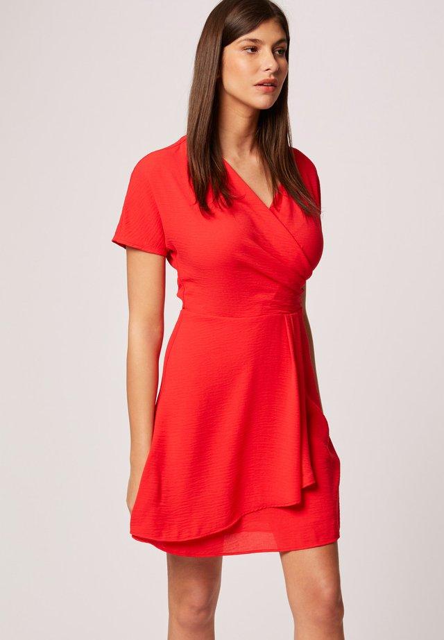 SKATER - Korte jurk - red