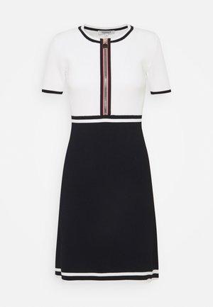 Pletené šaty - marine/offwhite