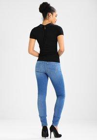 Morgan - DANOI - Camiseta estampada - noir - 2
