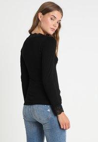 Morgan - TRACY - Camiseta de manga larga - noir - 2